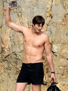 Ashton Kutcher Uses P90x